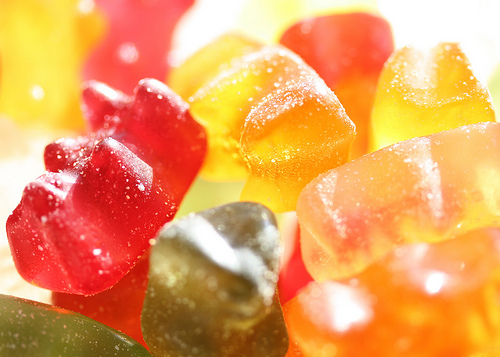Eis mit leckeren Gummibärchen kommt besonders bei Kindern gut an